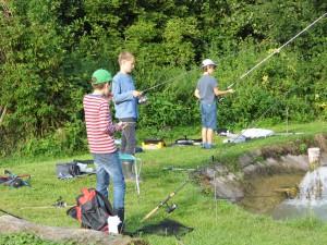 03-die-ersten-angeln-sind-im-wasser