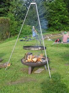 04-der-grill-ist-angeheizt